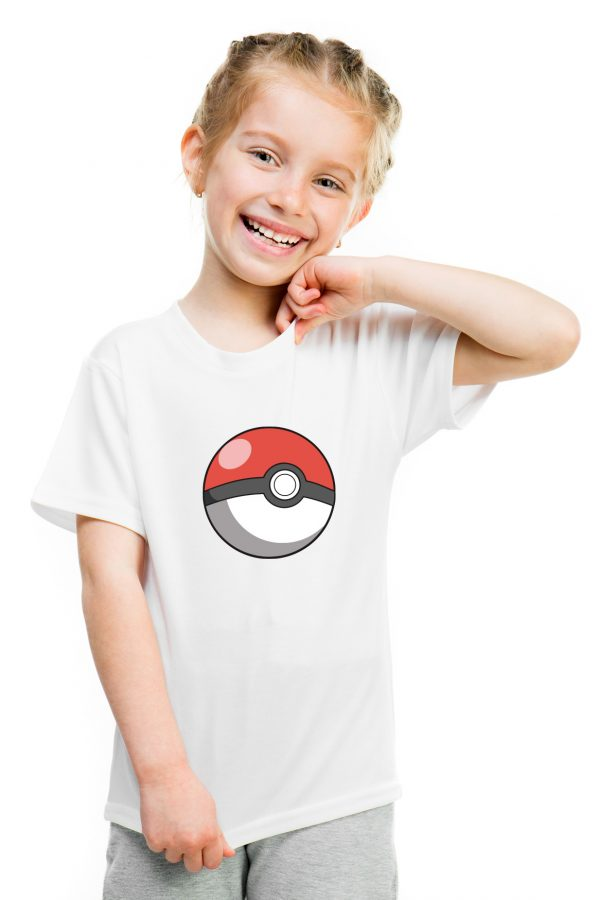 camiseta blanca de niña pokemon ball